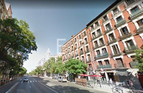 Local en venta en C/ Alcalá